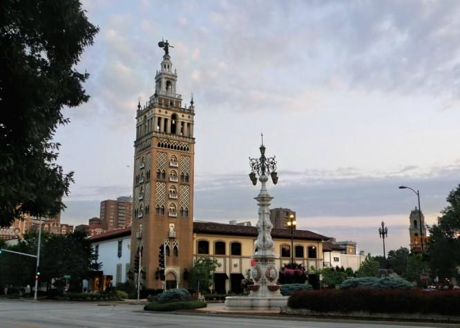 Kansus City Giralda replica tower