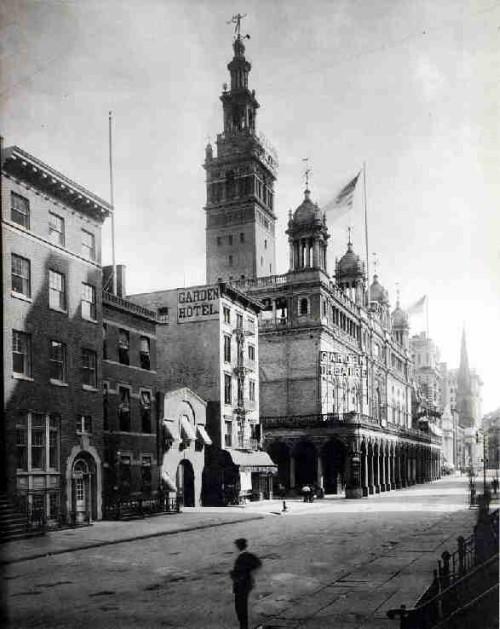 New York replica Giralda tower